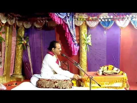 Dr. Parashar g.  Singing Gopi geet