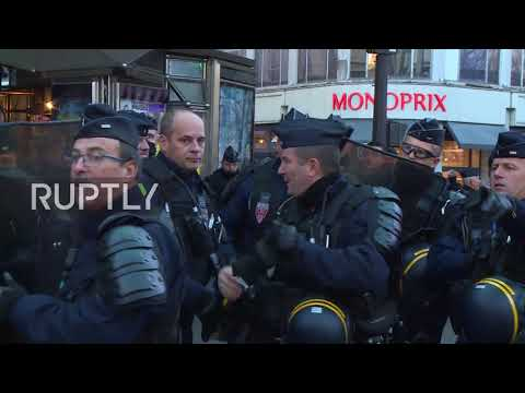 France: Police shut down far-right Generation Identity demo in Paris