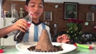 proyecto escolar volcán