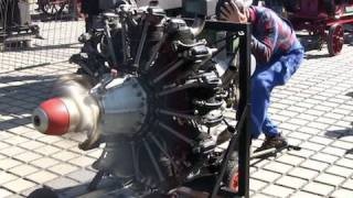 9 Cylinder Radial Engine Start And Run - Sternmotor läuft thumbnail