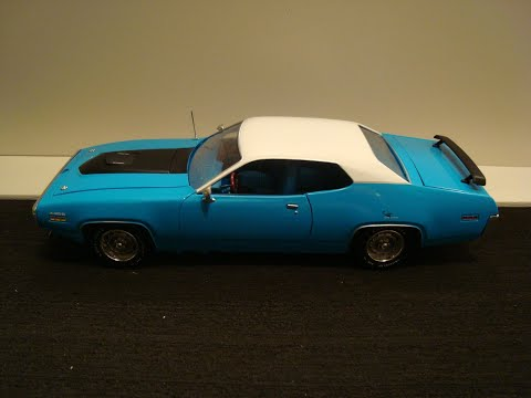 1:18 Auto World 1971 Plymouth Roadrunner unboxing and review