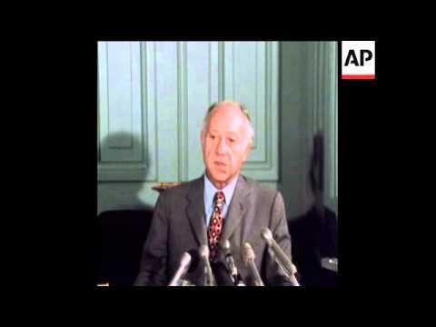 SYND 20-6-74 US SENATOR JAVITS SPEAKING AT PRESS CONFERENCE IN WASHINGTON