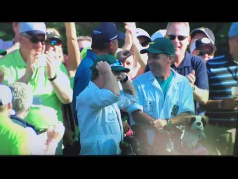 Matt Kuchar HOLE-IN-ONE on #16 @Masters 2017! Signs ball gives to kid! ©CBS Sports ©AugustaNational