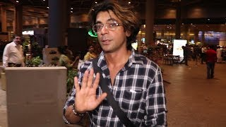 Sunil Grover SPOTTED At Mumbai Airport