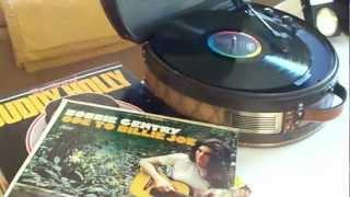 """Technosonic Hat Box Record Player """"Bobbie Gentry"""" Lazy Willie - Vinyl Record Demonstration"""