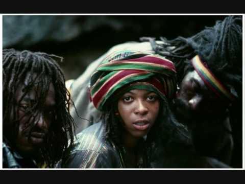 Black Uhuru - Plastic Smile [12'' Version]