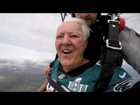 Florida Front Row - Florida Man Goes Skydiving For 90th Birthday In Treasure Coast