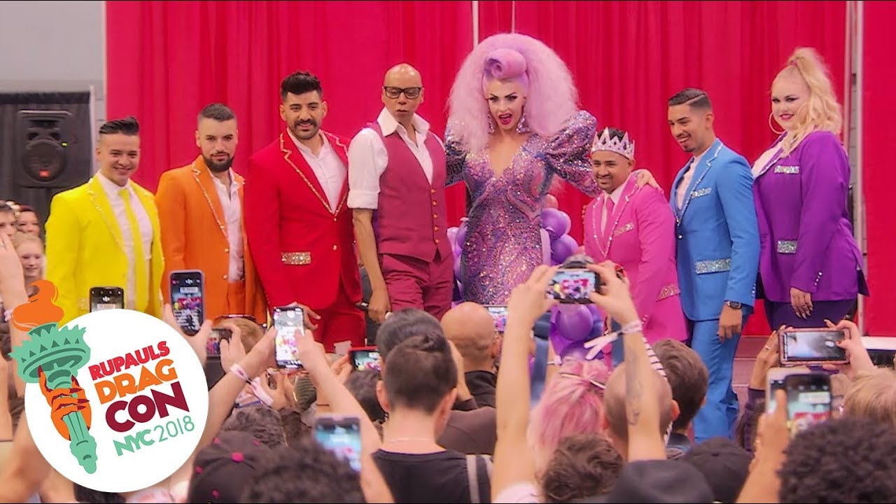 swing-left-with-rupaul-and-alyssa-edwards-at-dragcon-nyc-2018