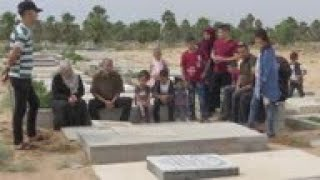 Muslims visit graveyard for Eid tradition