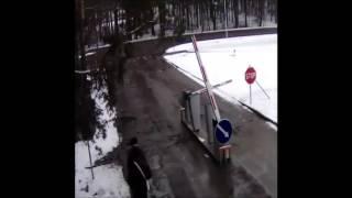 Шлагбаум на страже(, 2013-05-06T11:03:49.000Z)
