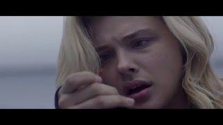 "The 5th Wave Deleted Scene ""Tracker Explodes"" - Chloe Grace Moretz"