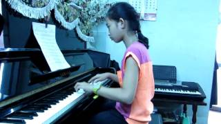 Reo Vang Bình Minh-Độc tấu piano:Tú Anh .
