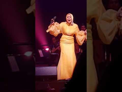 Gelisah Mimpi - Liza Hanim Live at Esplanade Concert Hall Singapore