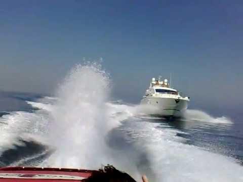 offshore 42' vs aicon 64'