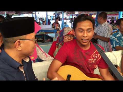 Pengamen Suara Merdu dari Pasar Lambuang Bukittinggi. Suaranya Top