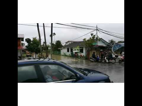 Flash flood in Tabuan Dayak 18.12.17