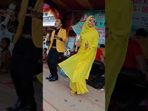 No. 1 Punjabi Bersama Ray Lubis Feat Afni Lubis