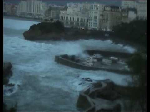 Biarritz, mer agitée 2