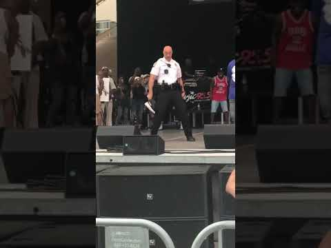 DANCING COP!!! Dance battle between cop and Comedian Ro Tha Realest at Summer614 in Columbus Ohio
