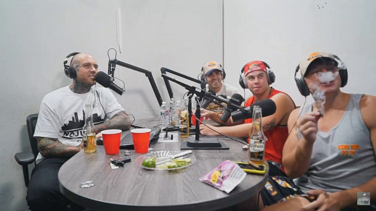 Stevewilldoit Wu Tangs Blunt On No Jumper Interview By Cyanide Postin Stephen deleonardis (born august 26, 1998), better known as stevewilldoit, is an american youtuber and entertainer known for his extreme challenge videos.1 in addition to his independent ^ steve will do it, el hombre que puede comer cualquier cosa. stevewilldoit wu tangs blunt on no