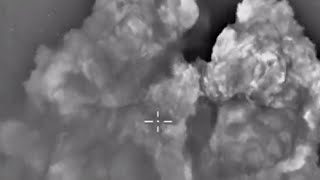 Airstrike video: Massive blasts as Russia smashes ISIS targets in Syria