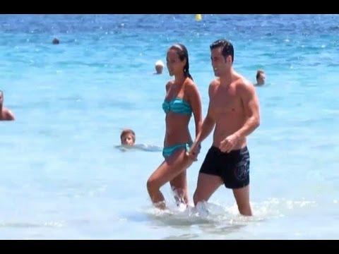 Bustamante y Paula Echevarría, lucen tipazo en Ibiza thumbnail