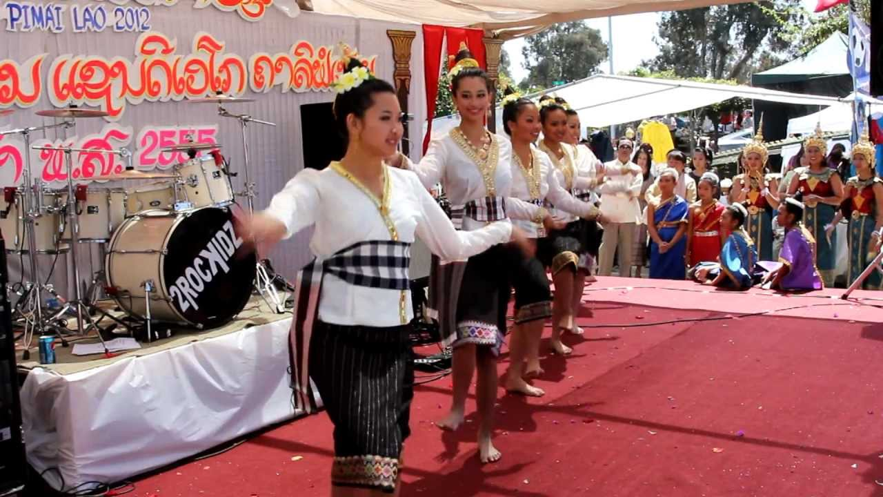 Lao New Year 2012 at Wat Lao Buddharam San Diego II