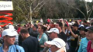 Sydney Breaks Stretching World Record City2surf 2011!