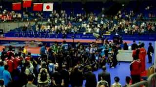横滨世乒赛男子双打颁奖仪式后的升旗仪式