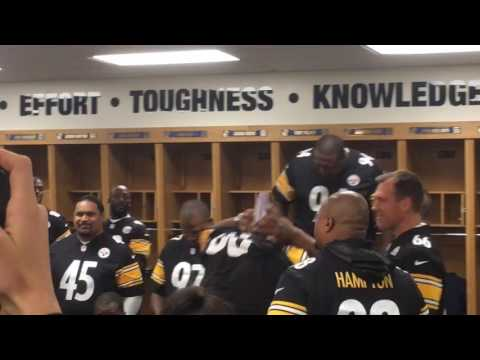"Jerome Bettis greets fellow Steelers ""alumni"""