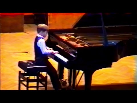 Mikhail Dubov plays Grieg - Album Leaf op. 47 No. 2 (live in Moscow, 2001)