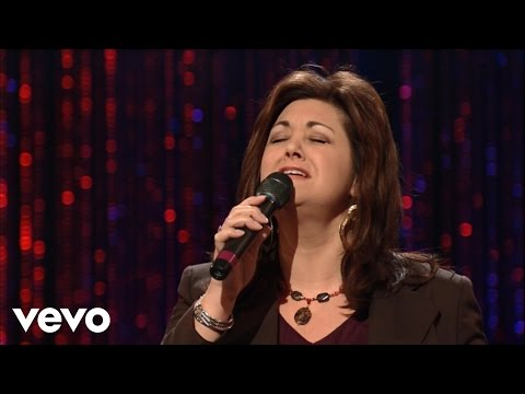 Joni Lamb - Turn Your Eyes Upon Jesus [Live]