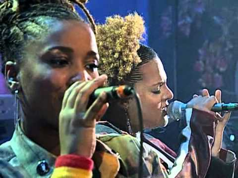 Floetry - Lay Down lyrics