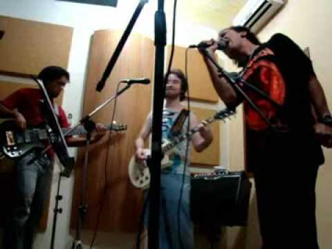 Helloween - We Got The Right (banda Victim of Fate)