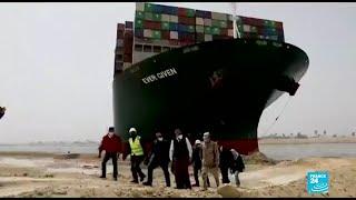 Autoridades dicen que el Canal de Suez pudo haber sido bloqueado por error humano