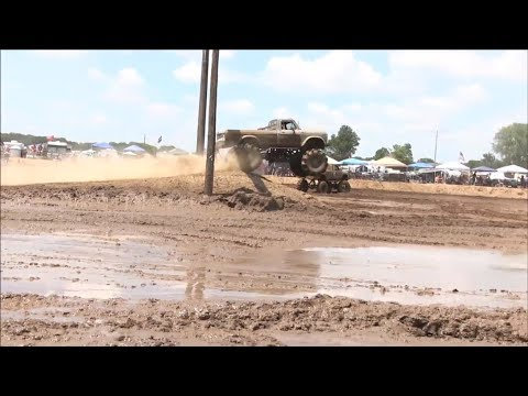 Silver 1979 Ford Mega Truck Plays At The Pit At Mid Michigan Mud Fest 2019