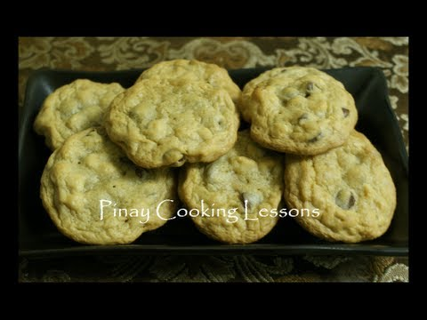 CHOCOLATE CHIP COOKIES (CHOCOLATE CHIP-MACADAMIA NUT COOKIES)