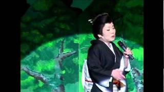 平成23年1月19日に前橋けやきウォークでライブを行う演歌歌手、森久美子...