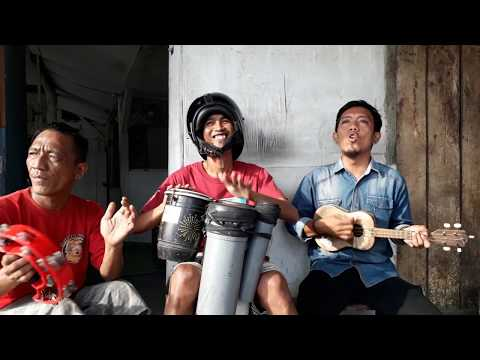 Viral Pengamen !! NINGGAL TATU (cover) Dory Harsa