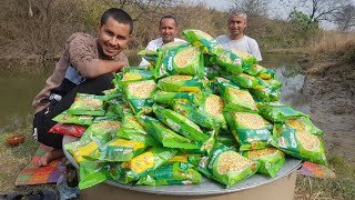 100 Maggi Noodles Cooking By Mubashir Saddique | Yummy Maggi Noodles Donating | Village Food Secrets