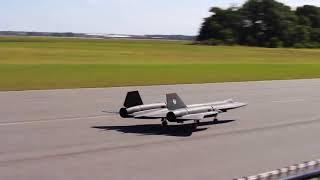 Giant Scale SR-71 Blackbird at Top Gun