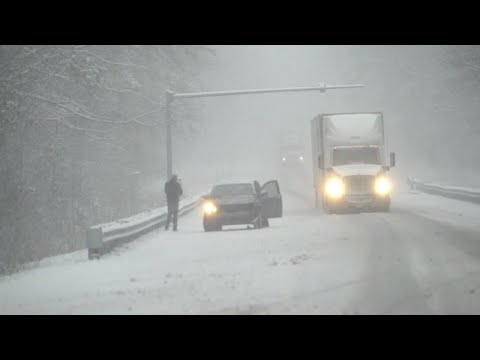 Southern U.S. hit with 'mammoth' snow storm