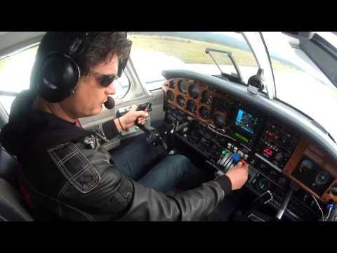 PA-34 Piper Seneca StartUp, Takeoff and landing