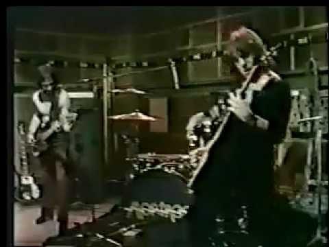 montrose performs bad motor scooter in 1974 with sammy hagar on vocals youtube. Black Bedroom Furniture Sets. Home Design Ideas