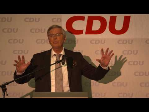 Wolfgang Bosbach spricht Klartext am 05.04.2017 auf einer Veranstaltung der CDU Rhein Kreis Neuss