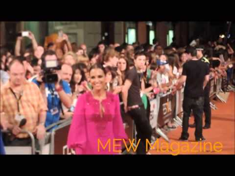 Premiere 'Galerías Velvet' con Paula Echevarría y Miguel Ángel Silvestre thumbnail