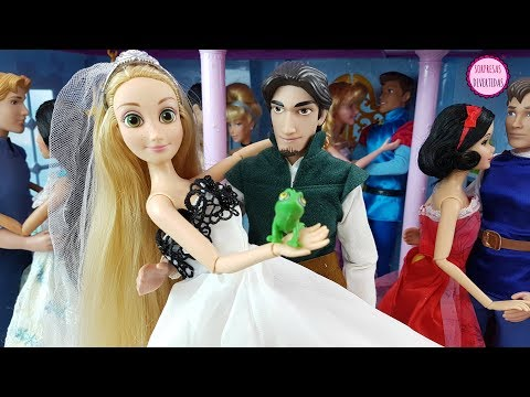 Rapunzel se casa con Flynn Muñecas Princesas Disney en el castillo de juguete para niños
