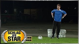 Spiel 5 - Fußball-Penalty - Schlag den Star