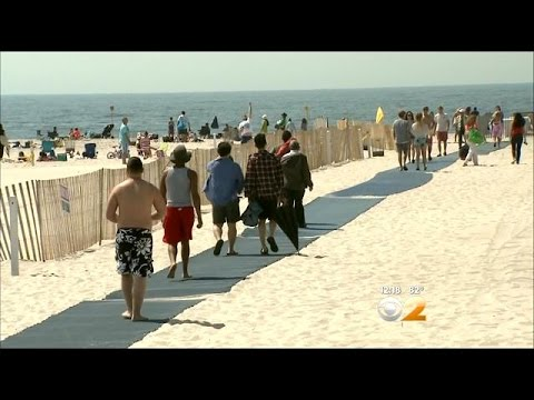 Crowds Head To Jones Beach For Memorial Day