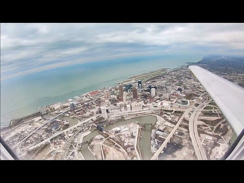 Landing In Cleveland Hopkins International Airport (CLE)